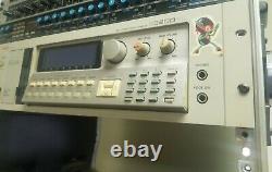 Rare Vintage Akai S3200XL S3200 XL Professional Sampler Rackmount with Boot Disk
