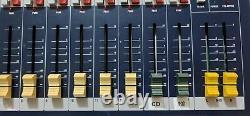 Soundcraft EPM12 12-channel Professional Audio Mixer with Original Rack Mount Kit