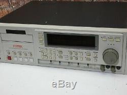Fostex D-15 Montage De La Bande Dat Digital Audio Professional Rack Et Lecteur