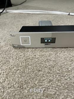 Ubiquiti Unifi Usg Pro-4 Et Cloud Key 2nd Gen + Rack-mount Paquet
